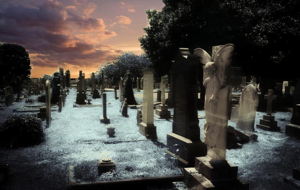 graveyard-celebrity deaths